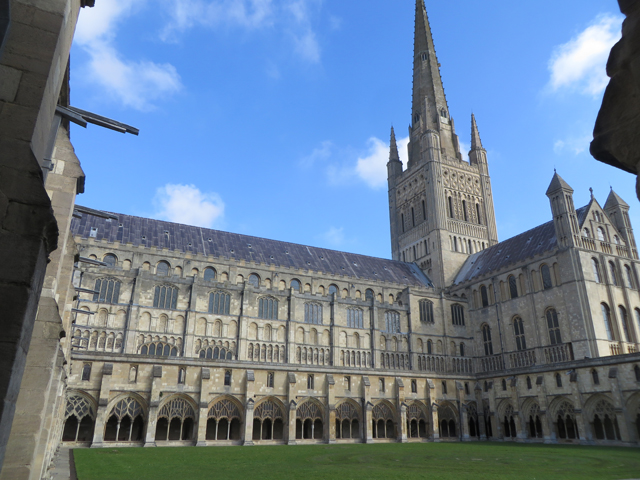 NorwichCathedralS